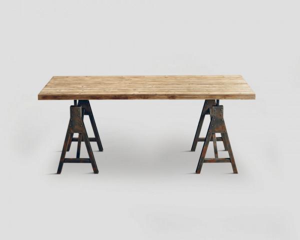 Chalet Esstisch mit Stahlbock Füßen